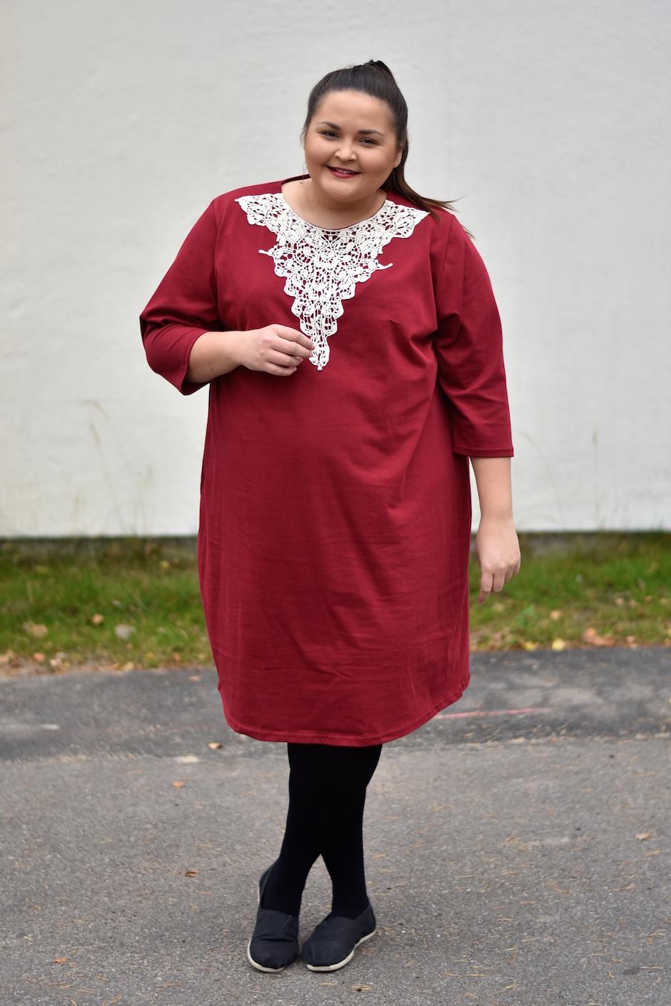 Lumoan Aura mekko plus koko 54 DSC_0594
