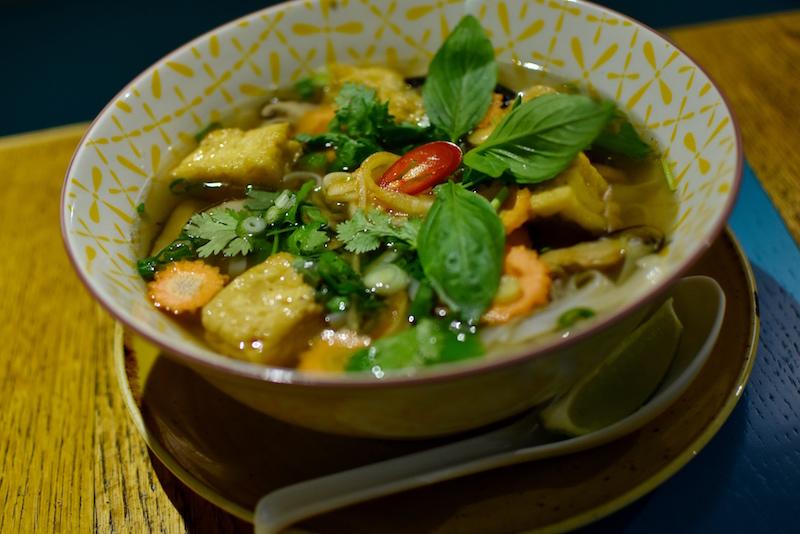 Onam vietnamilainen ravintola Kauppakeskus Forum Helsinki DSC_0047